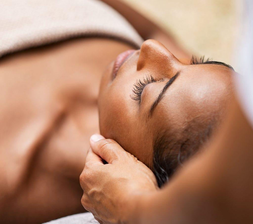 Holistische massage bij Feel Good Fitness Factory