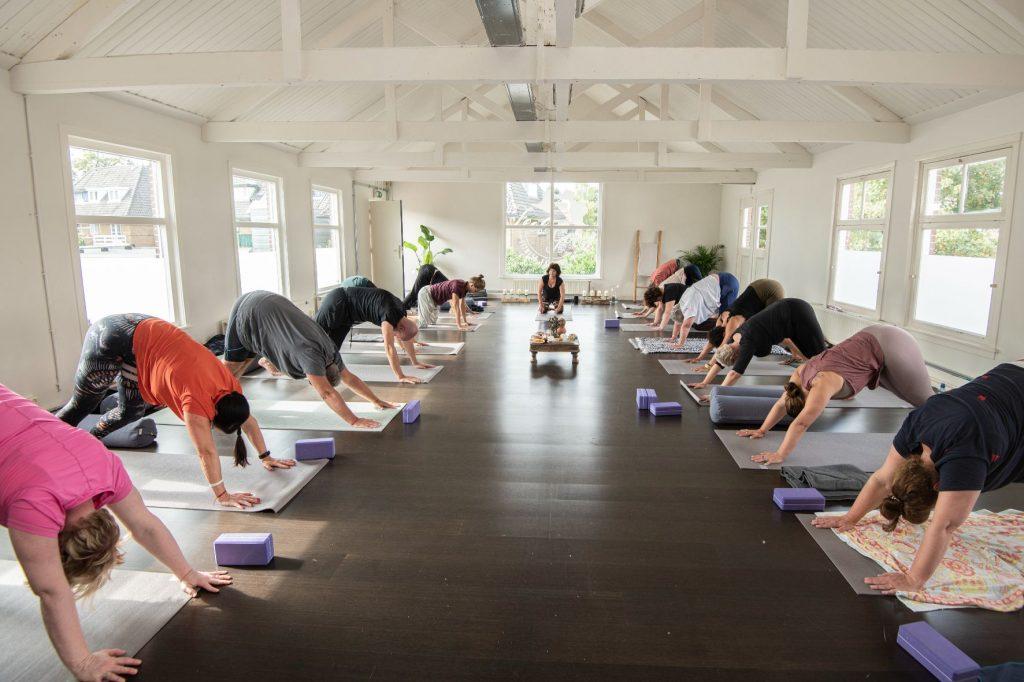 Vinyasa yoga - Feel Good Yoga & Pilates - Yoga Hilversum - Yogastudio